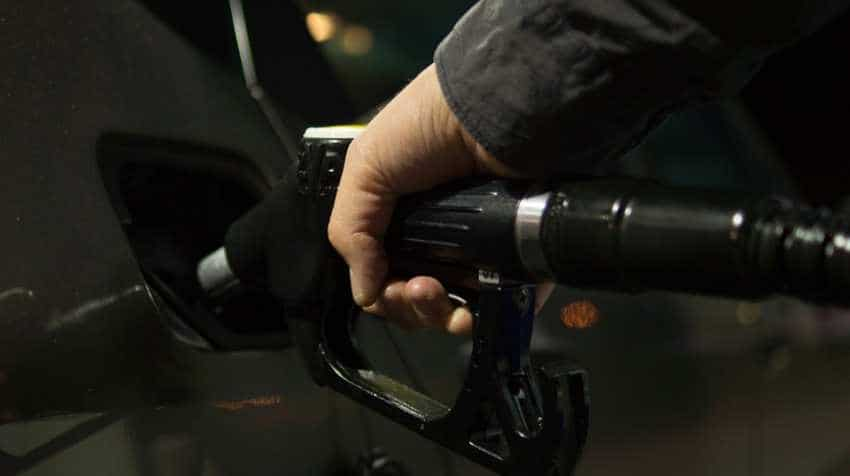 Petrol, Diesel price down gradually in India, as crude oil tumbles