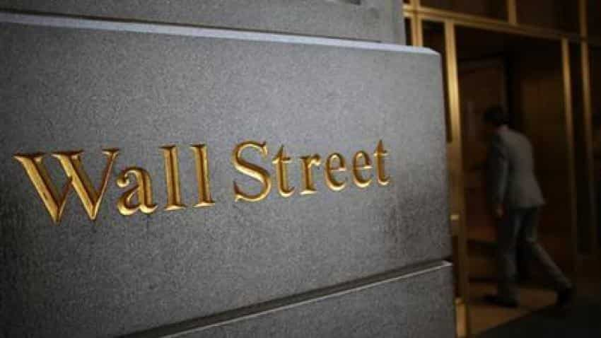 Tech stocks boost Wall St ahead of Fed minutes