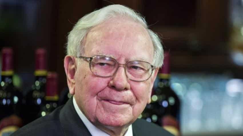 Warren Buffett beats S&P 500 once again! 5 tips for common investors