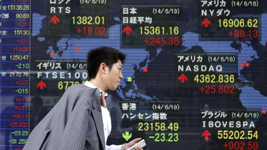 Asian markets near 2-1/2 week lows amid fears of global trade war