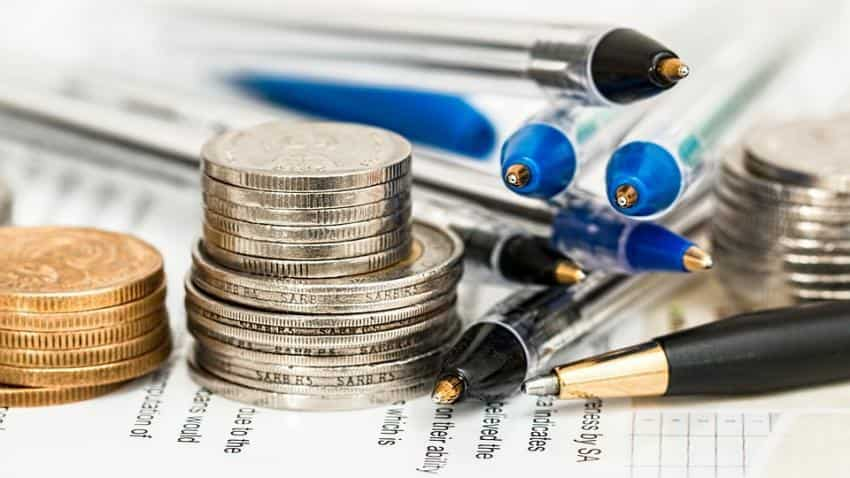 Direct or regular mutual funds-which one to opt for?