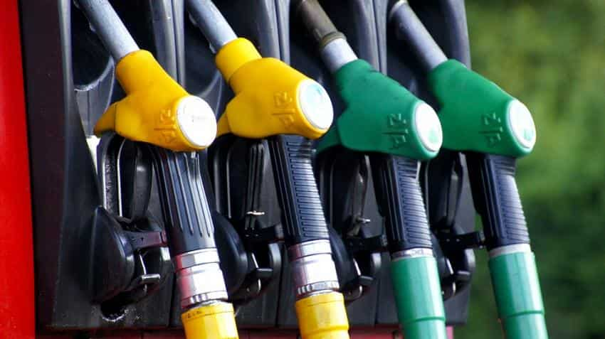Petrol price in India today down by 8-9 paisa; global crude tumbles