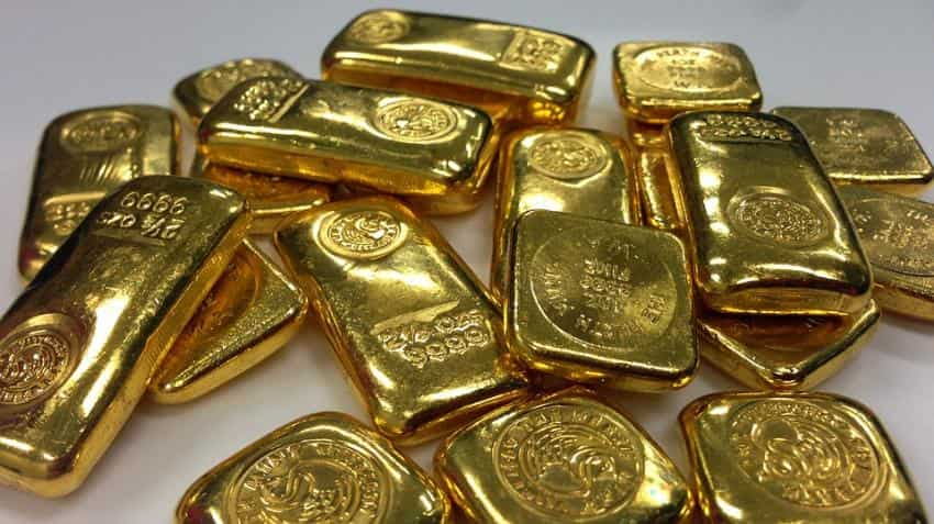 Gold off two-week lows ahead of Fed meet