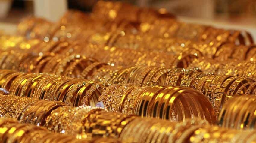 Gold price in India today: 24 karat yellow metal rises, 22 karat slips