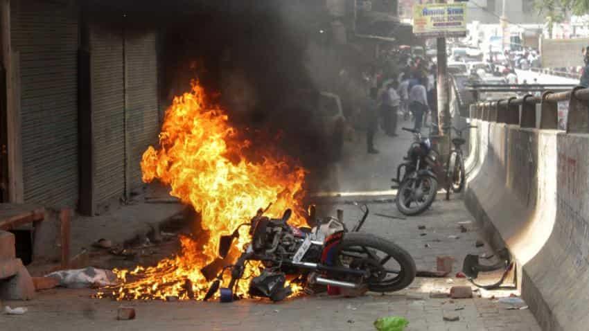Bharat bandh: Protesters torch buses, pelt stones in Uttar Pradesh; CM Yogi Adityanath calls for peace