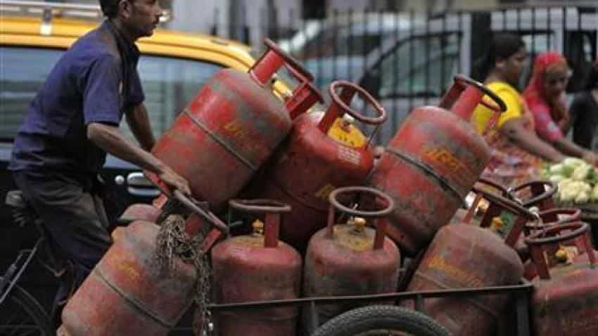 Non-subsided LPG cylinder price slashed by Rs 35, jet fuel rate cut too