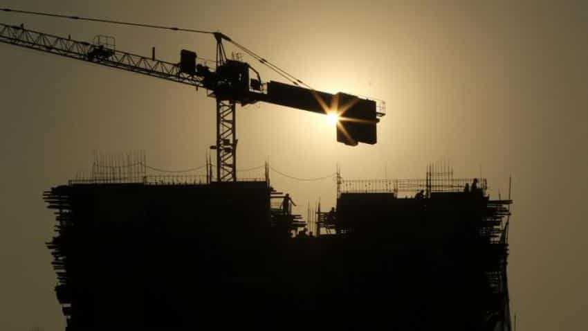 Services PMI back on growth track in March; job-creation at 7-yr high