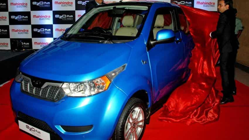 Want to drive e-cars on rent in Delhi? Check out special Zoomcar-Mahindra offer