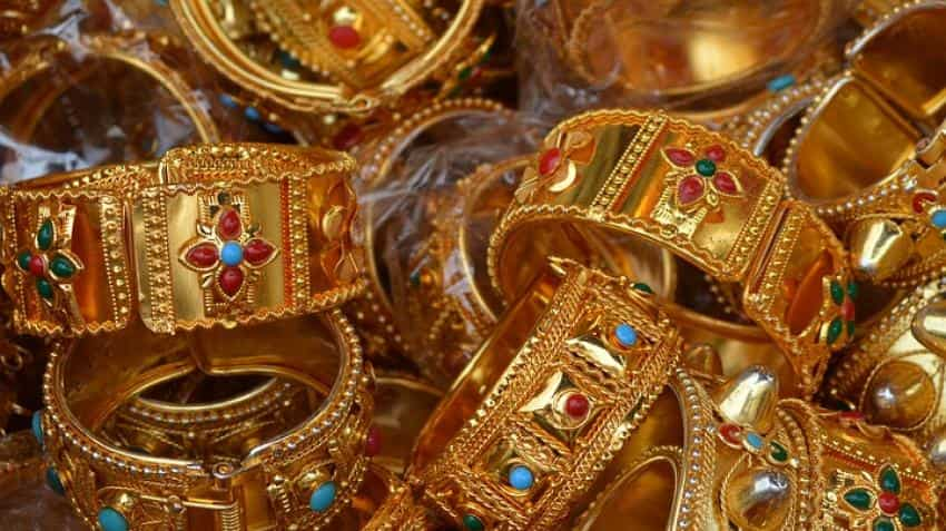 Gold price in India today; 24 karat gains, 22 karat continues to decline