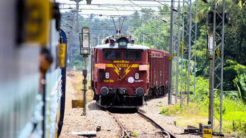 Watch! On Indian Railways, tea from toilet water! IRCTC vendor caught on camera, video goes viral