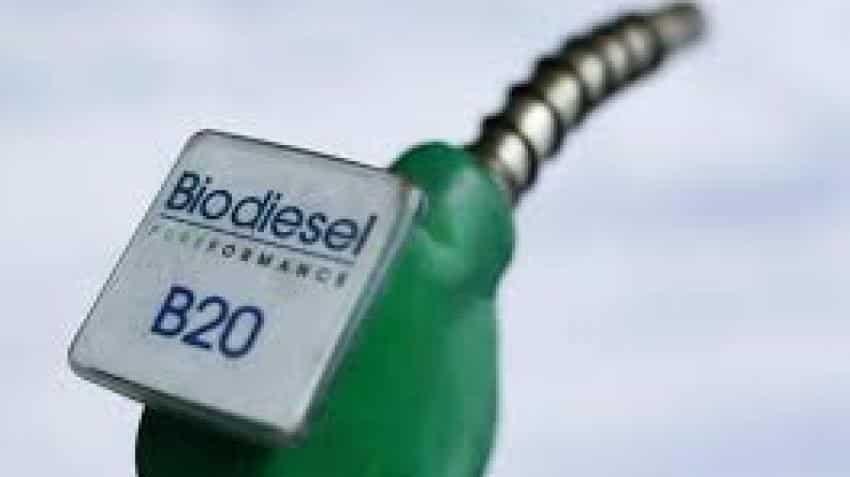 100% bio-ethanol vehicles by Bajaj Auto, TVS get Nitin Gadkari nod