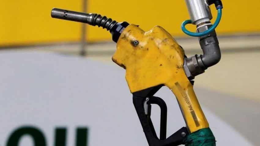As oil hits $80 mark, Indian economy, rupee may feel backlash