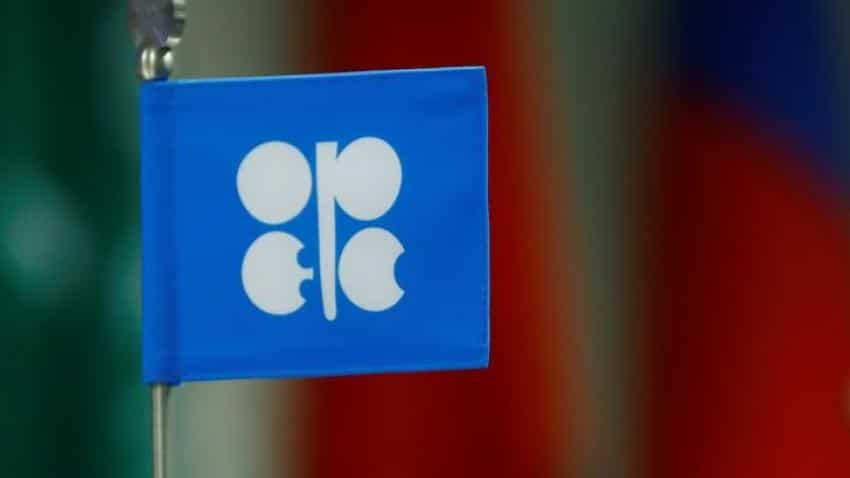 Oil sinks further as OPEC and Russia look to raise output