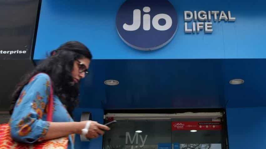 Reliance Jio offer: How to get Rs 100 discount on MyJio App under Rs 399 plan