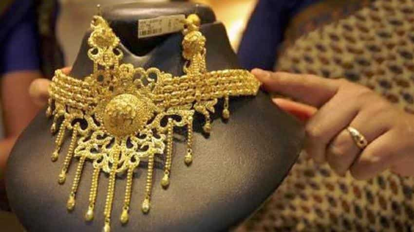 Gold prices just dipped below Rs 32,000-mark; check out rate in Delhi