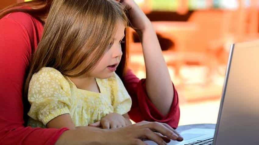 Top 6 money lessons parents must teach their children