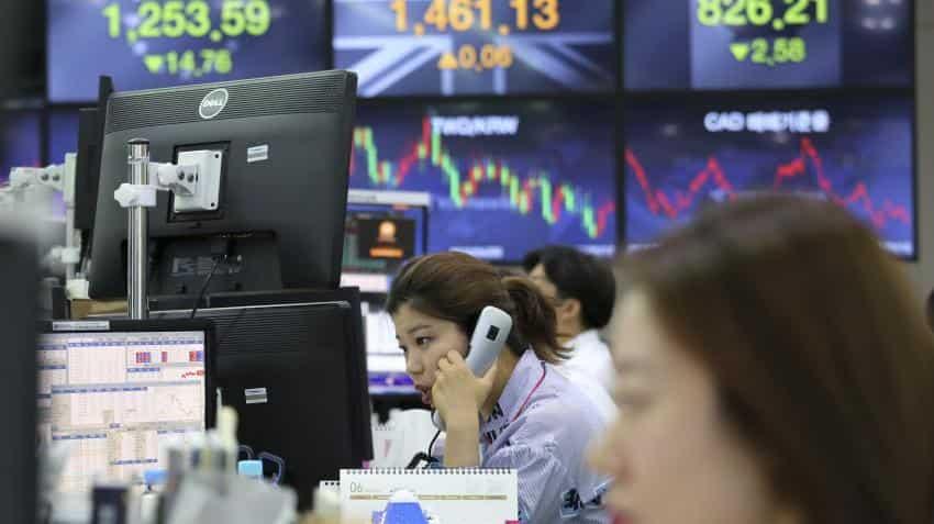 Asian markets fall as Sino-US trade spat intensifies