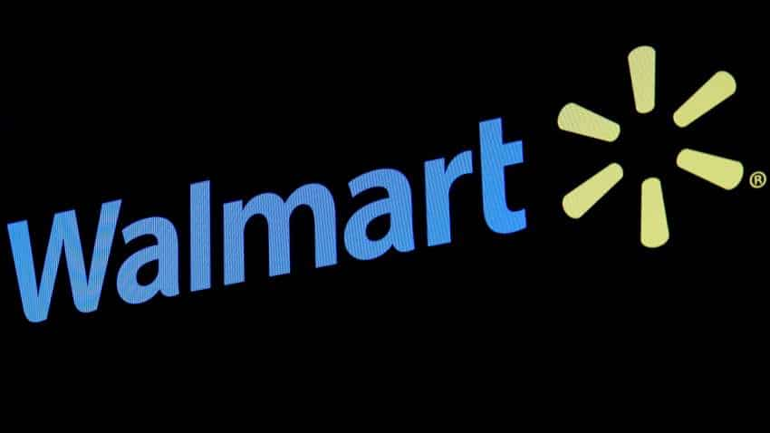 Traders protest against Walmart-Flipkart deal