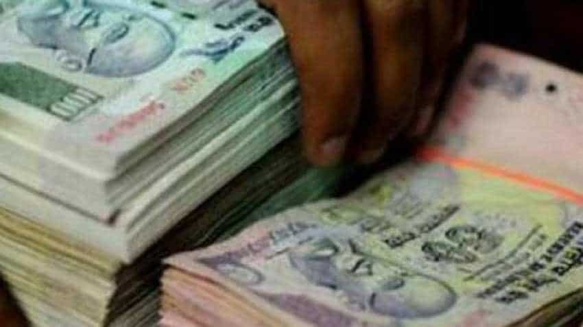 Rupee bounces to 1-week high as US dollar sags, eye on RBI policy meet