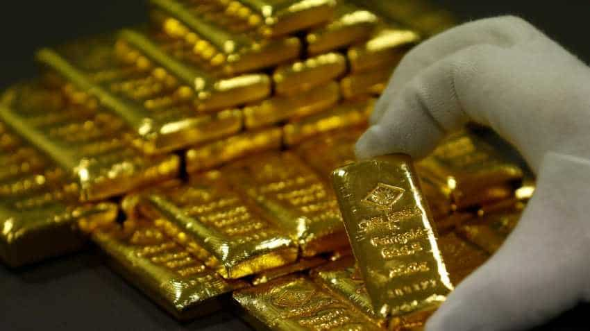 Gold heads for fourth month of losses, worst streak since 2013