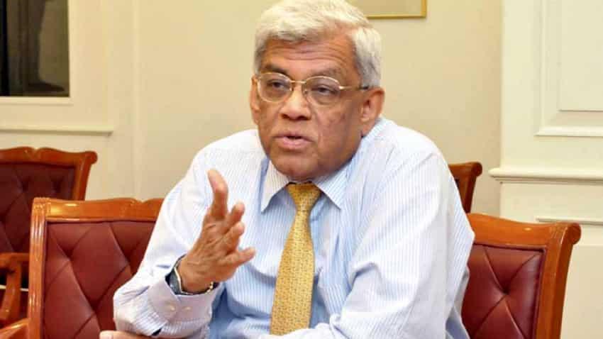 Deepak Parekh on HDFC Bank deputy MD Paresh Sukthankar, once Aditya Puri's likely successor