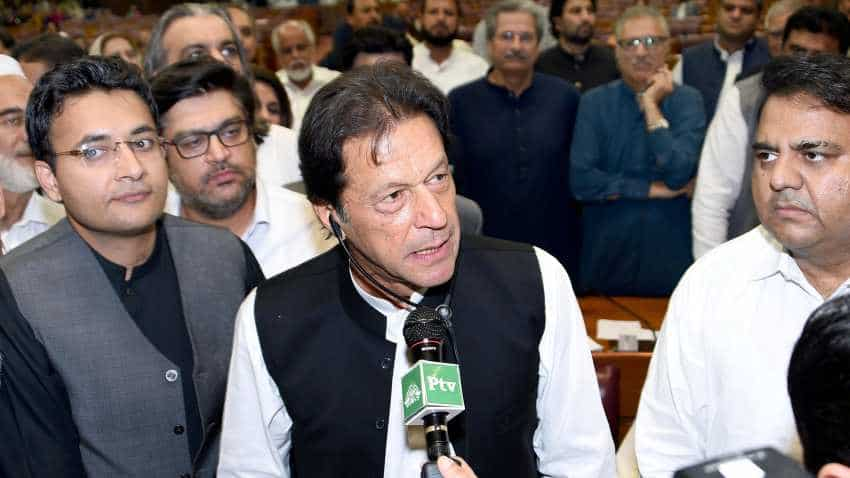 Imran Khan takes oath as Pakistan PM, vows to turn country into Islamic Welfare state