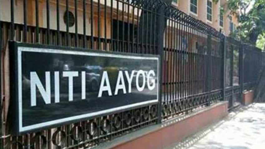 Slash import duty, GST rate on gold, says Niti Aayog