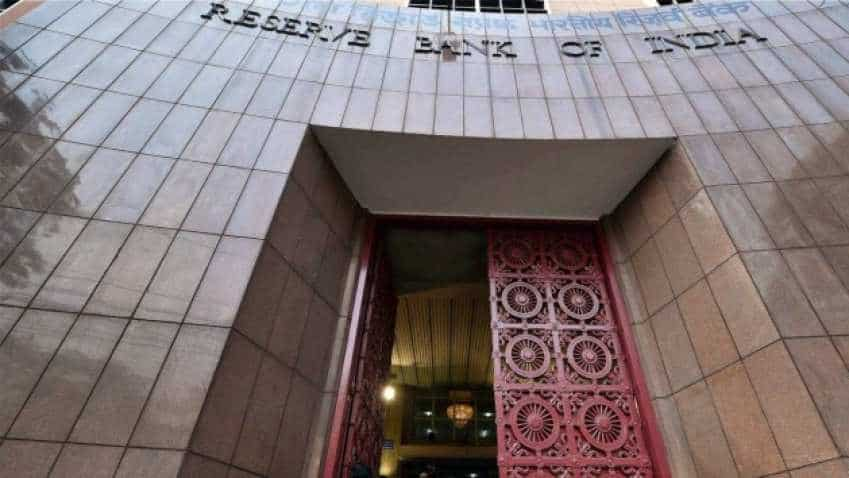 "Panel warns RBI over ""knee-jerk"" measures, expresses apprehension over PCA"