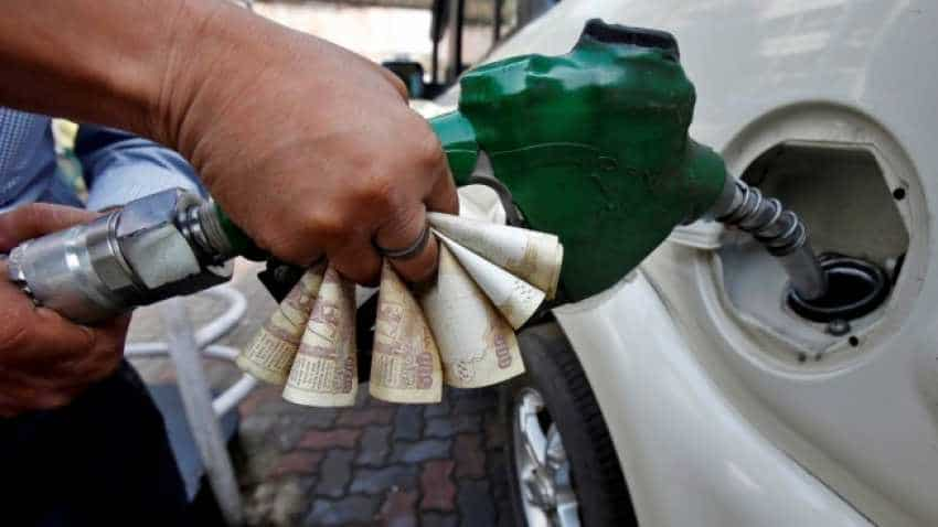 Petrol, diesel prices in India maintain status quo; global oil prices down