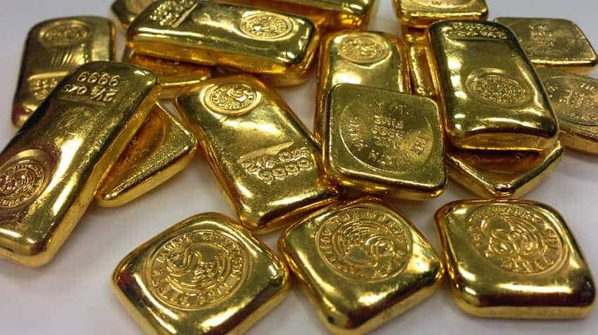 Follow Rakesh Jhunjhunwala? Should you follow RBI too for buying Gold