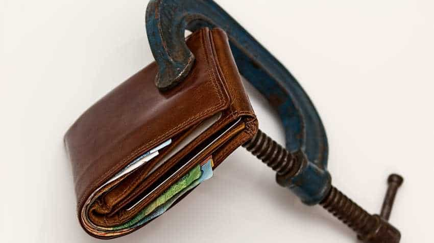 Suffer from financial stress? Here are 4 mistakes you must not make