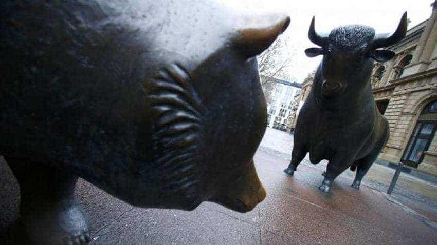 Top 10 companies lose Rs 2,55,995 cr in m-cap; RIL worst hit