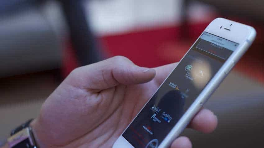 Online smartphone sales to cross $1 bn in festive sale: Counterpoint