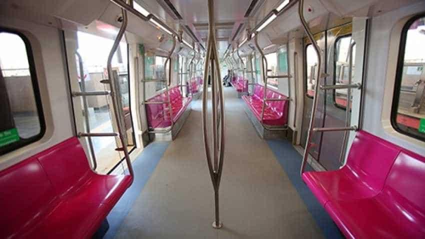 Delhi Metro Lajpat Nagar to Mayur Vihar I Pink line delayed - Check