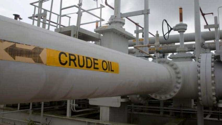 Oil prices hold ground, but set for 4 percent weekly fall