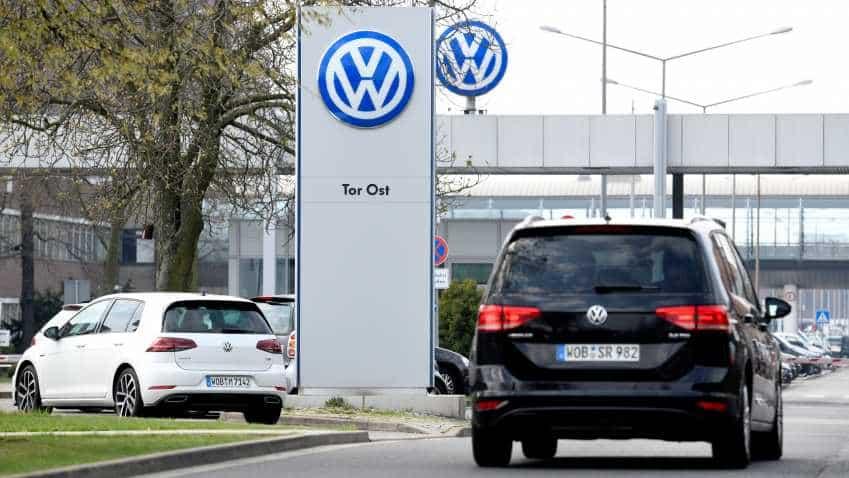 Volkswagen targets online sales, over-the-air updates in new contract with European dealers