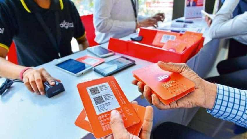 Reliance Jio Diwali 100% Cashback Offer out! New Rs 1699 tariff plan launched