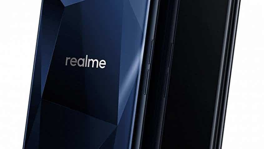 Don't wait for online sales, buy Realme smartphones offline soon; Reliance Jio, Reliance Digital to offer you this phone