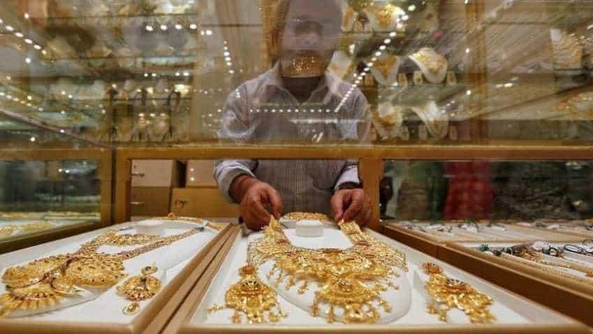 Gold rises as investors weigh fallout of U.S. midterm verdict