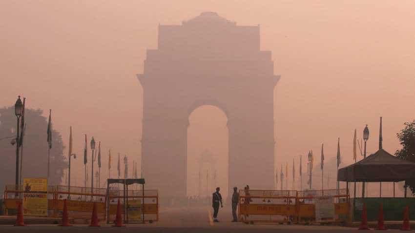 Severe pollution on foggy Saturday