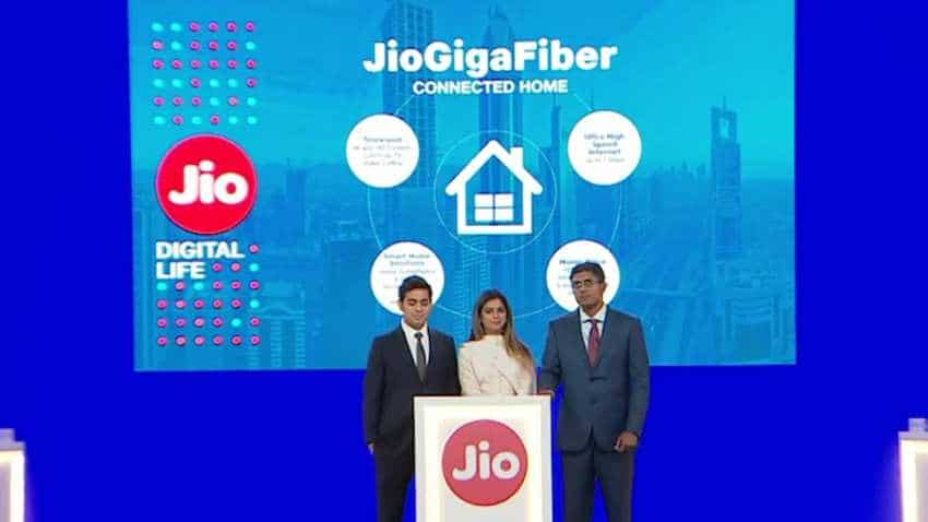 Jio GigaFiber broadband plan to start at Rs 500; Check data and speed