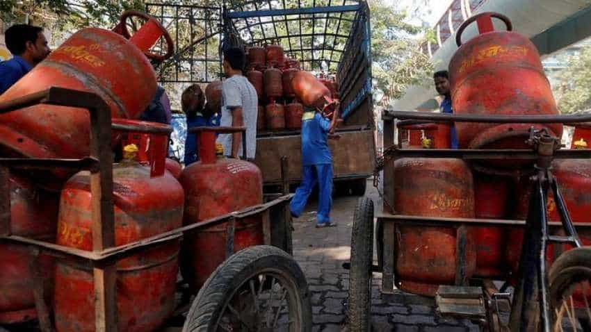Your subsidised LPG cylinder price has just been cut by Rs 6.5, but it is market rate cylinder that gets this big relief