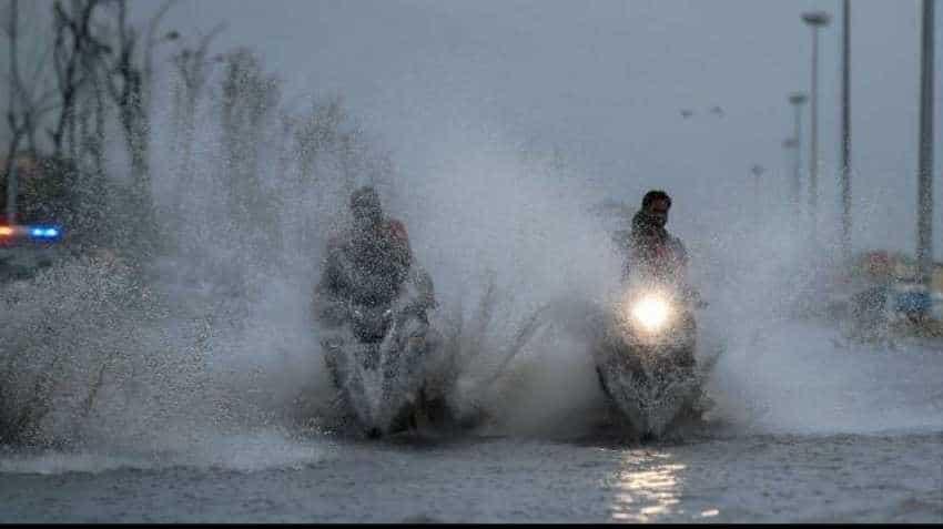 Met warns of heavy rainfall in Andhra Pradesh, Tamil Nadu this weekend