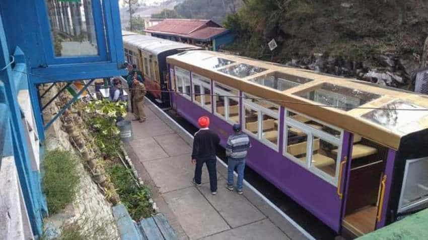 Vistadome chugs off on heritage track but arrives late in Shimla on first day