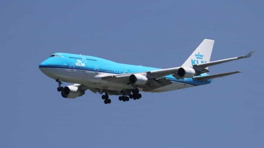 KLM introduces Whatsapp 'family updates' of flight status