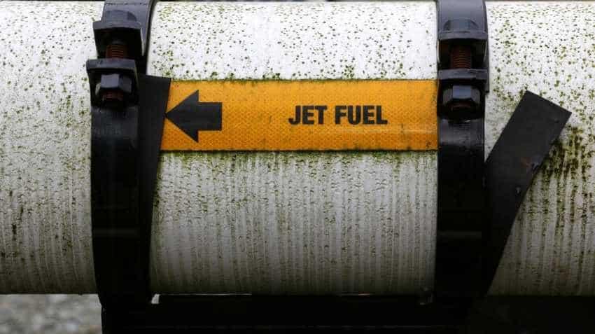 Asia jet fuel cash discounts narrow, market eyes winter demand