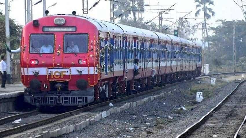 Indian Railways cancelled, delayed, rescheduled train full list: Fog, maintenance block affect 400 trains today