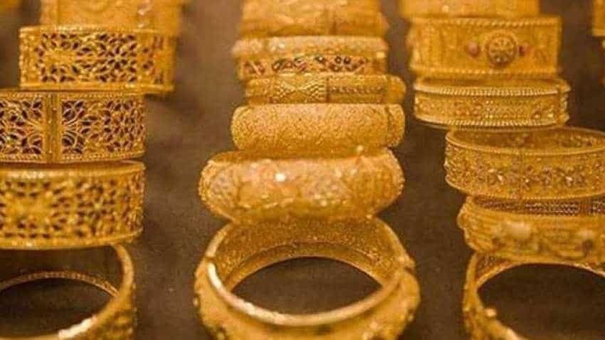 Gold rush continues on Federal rate pause bets