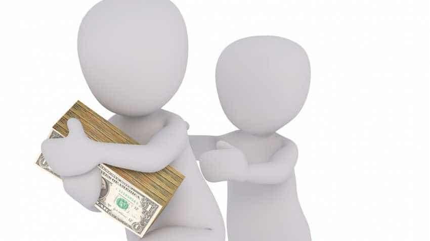 Rupee versus dollar: Rupee nosedives 21 paise against US dollar