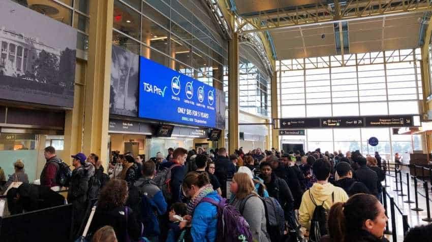 US airports shutdown: Staff shortage causes flight delays